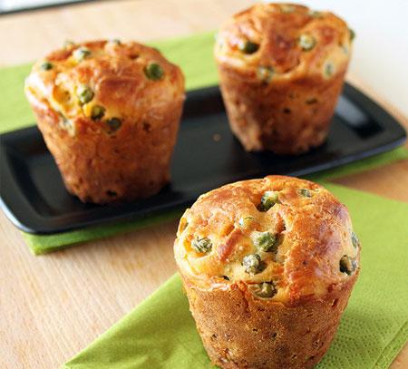 Ricetta primaverile: muffin salati con piselli freschi