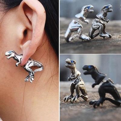 """I gioielli """"preistorici"""" di OOO Workshop, da animali estinti a orecchini"""