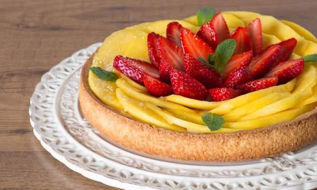 Dolci di stagione con frutta fresca e senza cottura