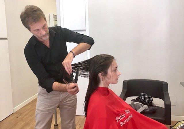 Un taglio di capelli prima delle vacanze: tecnica e stile secondo Fabio Bucci di Compagnia della Bellezza