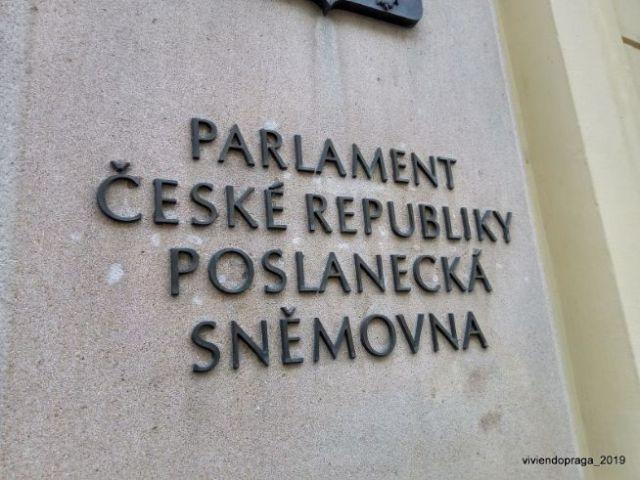 placa Cámara de Diputados Checa