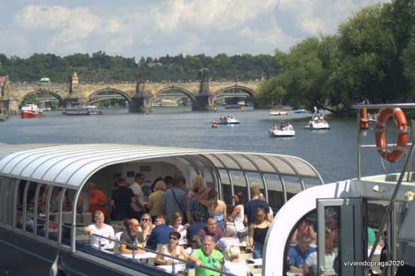 bote, turistas, Puente de Carlos