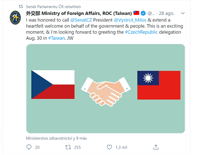 banderas checa y taiwanesa