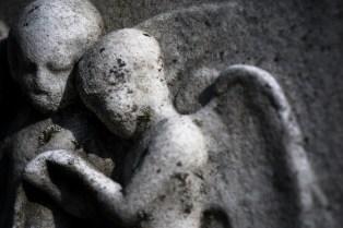 goldman_vivien_Forest-Hills-Cemetery-Figures-in-Stone09