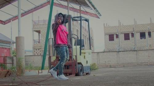 Kweku Smoke – Friends (Official Video)