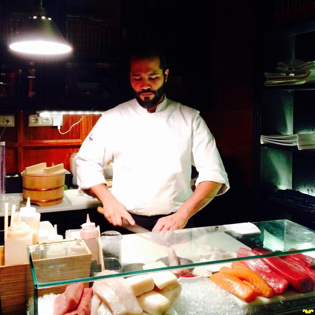 El sushi man está especializado en el corte japonés kirikata. Restaurante A Japanese Kirikata. Madrid