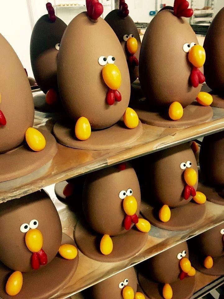 Pastelería Mamá Framboise. Huevo de Pascua: Gallina MF