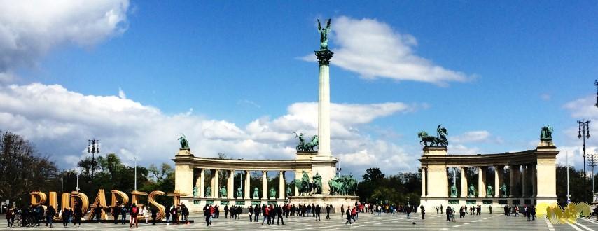 Vivir como Reyes en Budapest. Plaza de Los Héroes