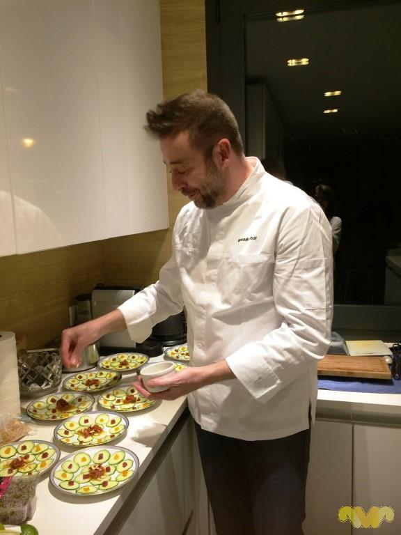 Chef Gonzalo Ribot. Preparando la cena