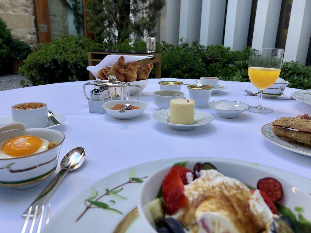 atrio-caceres-desayuno