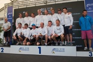"""Le nombreux équipage hongrois de 15 membres de l'""""Implant Centre Raffica"""", vainqueur définitif du """"Challenge Bol de Vermeil"""". Photo: Oreste Di Cristino"""