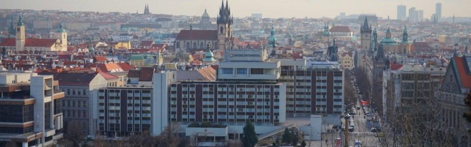 """Khu """"Staré Město"""" chụp từ công viên """"Letná"""""""