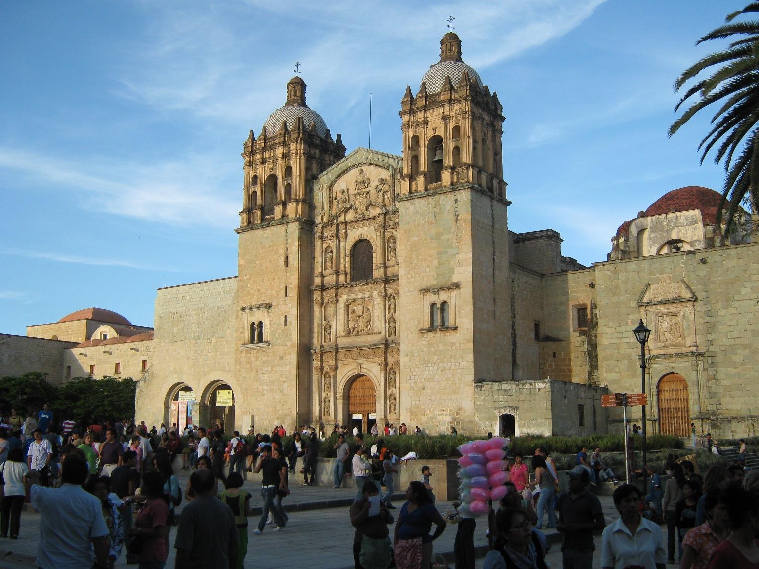 Iglesia de Santo Domingo a todo color
