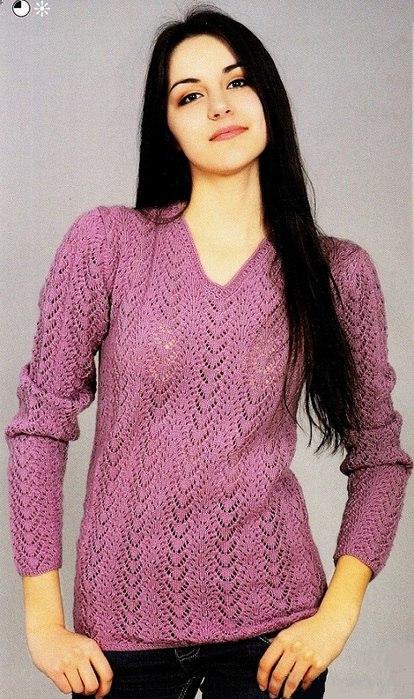 Розовый пуловер с V – образным вырезом