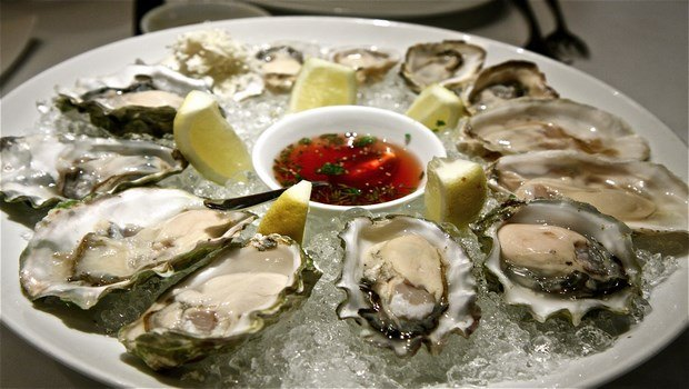 foods that cause miscarriage-raw shellfish