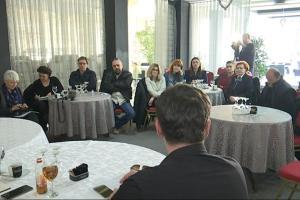 okrugli stol novinari