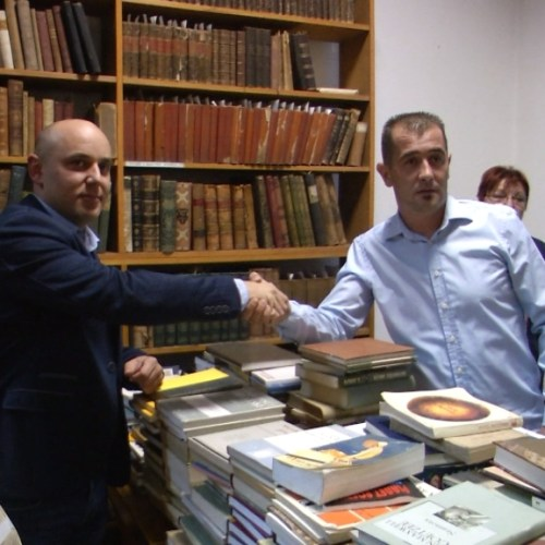 151018 donacija knjiga knjiznici