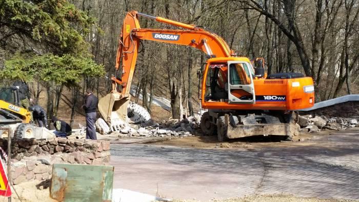 Старый фонтан в парке Фрунзе уже демонтирован. Фото Аля Покровская