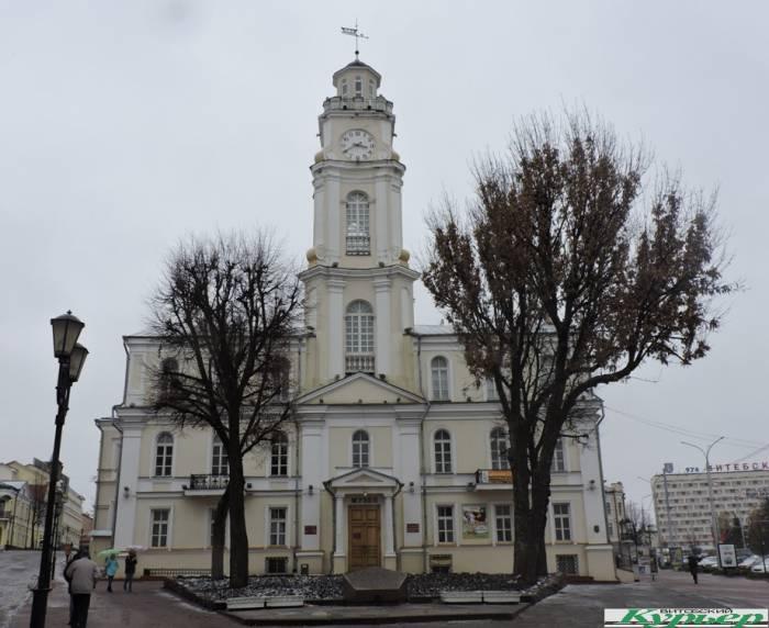 Интересные факты про Ратушную площадь и Воскресенский храм в Витебске