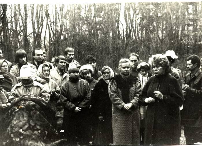 Как в Витебском районе в 1989 году установили кресты в память жертв репрессий