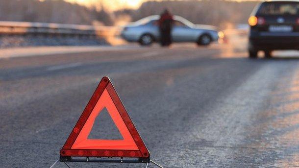 Под Бегомлем Citroën врезался в дерево— водитель погиб