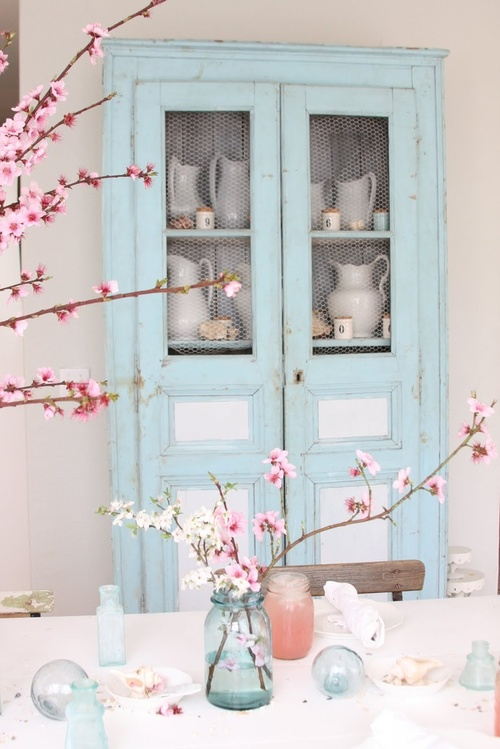 Pink pastels and beautiful blossoms - via Secret Dreamlife