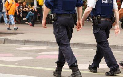 """Geweld tegen Brusselse politie: """"genoeg is genoeg"""""""