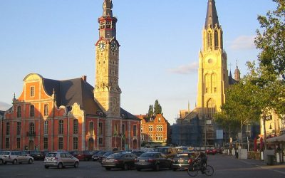 Vue sur la Flandre : Les passe-droits de vaccination de la Bourgmestre de Saint-Trond. Le Vlaams Belang demande sa démission