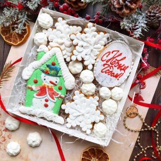 Набор новогодних пряников с меренгами «Снеговик. С новым годом!»