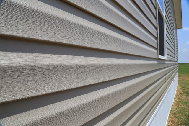 vinyl siding on mobile home