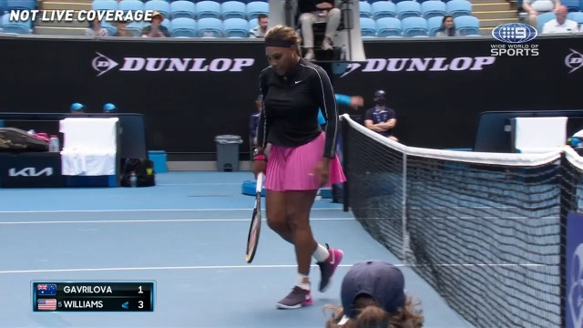 Aussie fumes as Serena grabs early break