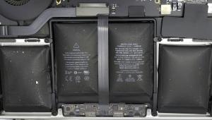 Macbook Pro 2015 bị phồng pin