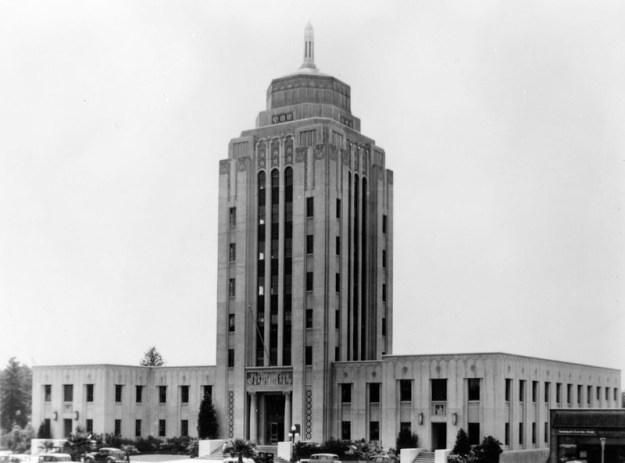 Van_Nuys_City_Hall_1939