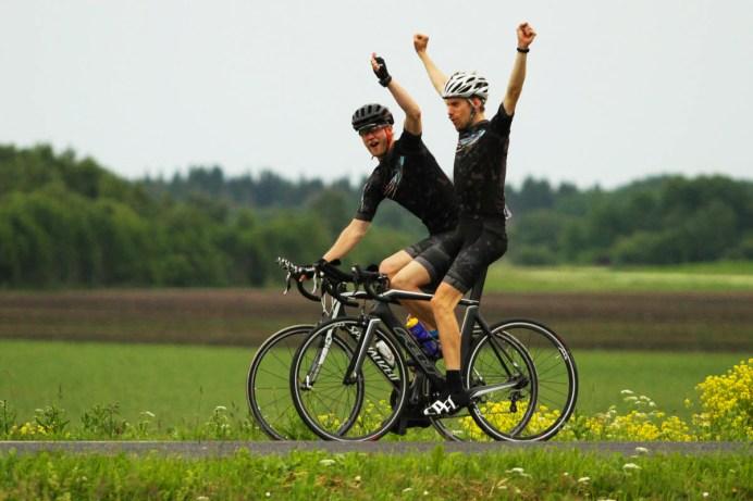 Häid tulemusi on rattaspordis vähe. Sõpradele on aga lihtsam pähe panna ja see tõstab motivatsiooni :)