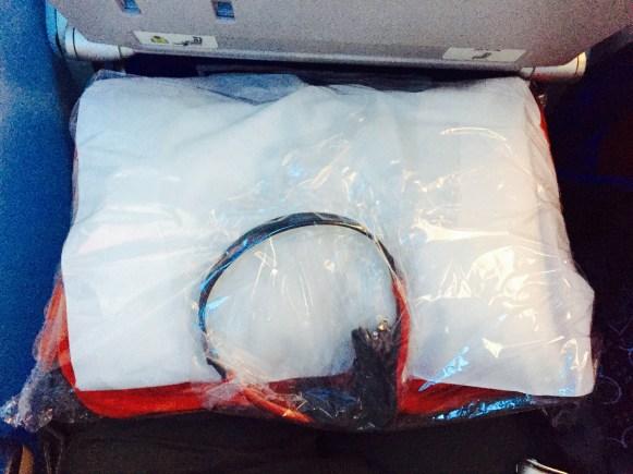 Kit Cobertor + Fone de ouvido