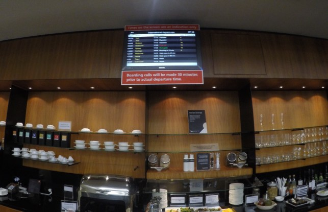 Sala VIP - Qantas - Buffet + Monitor