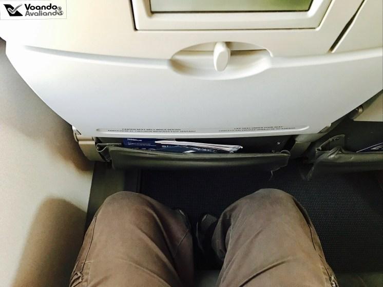 Espaço para Pernas - E190 - Jetblue