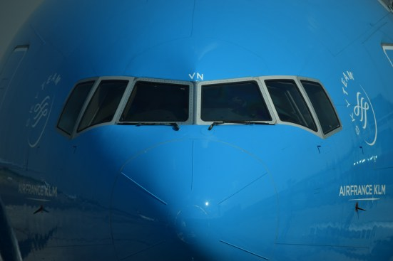 __EZE - KLM 777 Face to Face