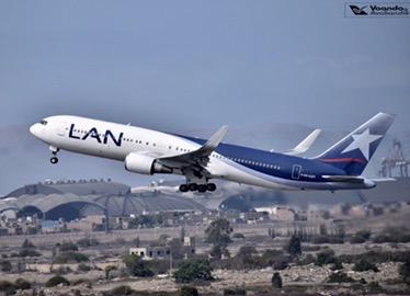 B767 - LATAM (old livery) decolando