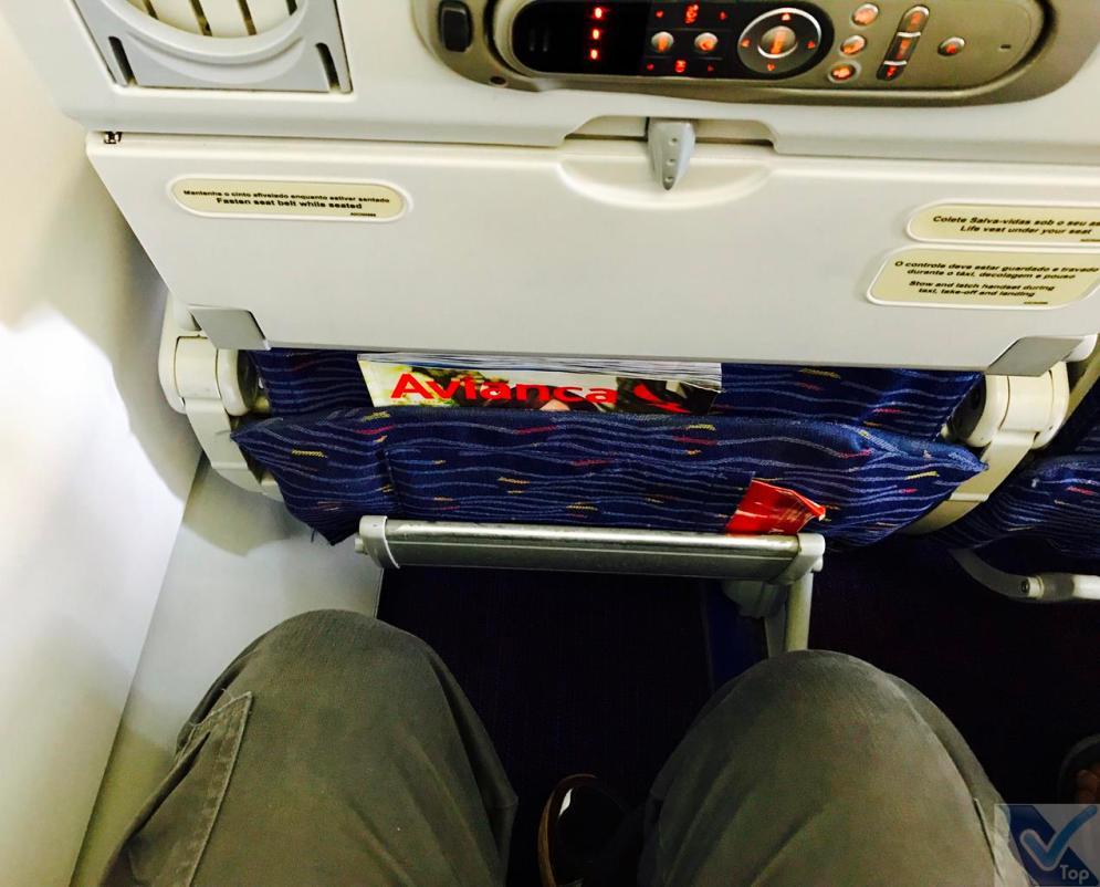 A319 - Avianca - Espaço Pernas