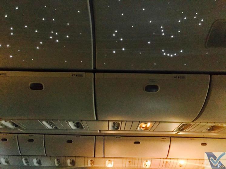 Emirates B777 Teto Iluminado (2)