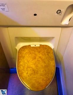 Vaso - Banheiro B777 Emirates