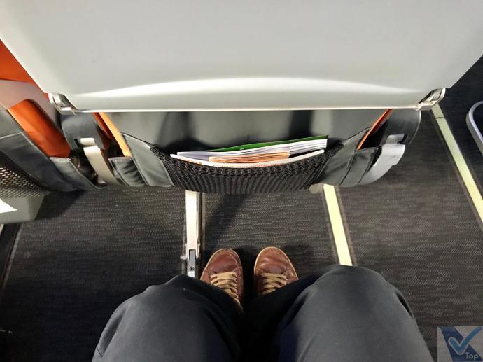 Gol - B737 - Premium - Espaço pernas 1
