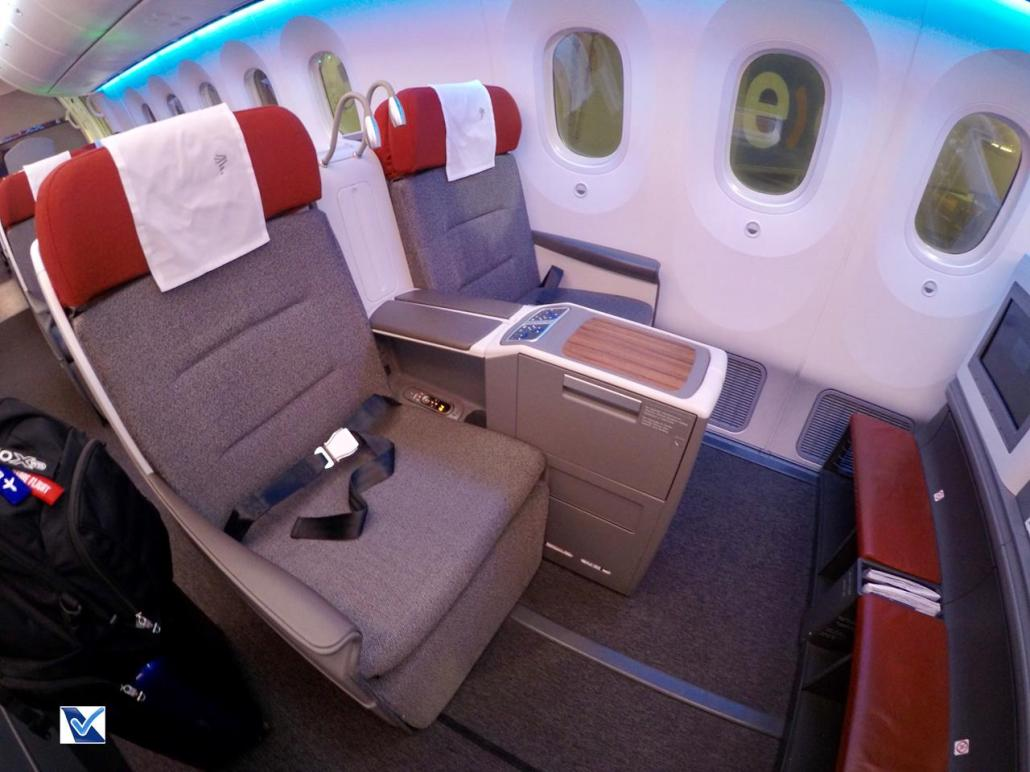 Poltrona - Cama - Business - B787 - LATAM 11