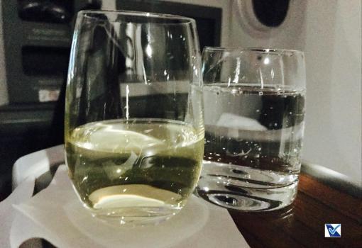 Vinho e Água - Jantar - Business - LATAM - SCL AKL