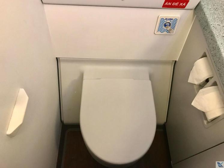 Banheiro - A320 - Vietjet Air - Vaso