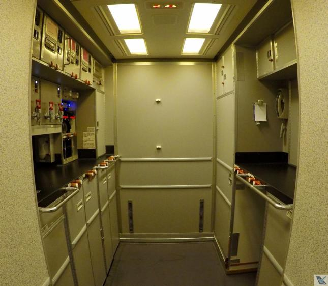 Galley - Traseira - B777 ANA 2