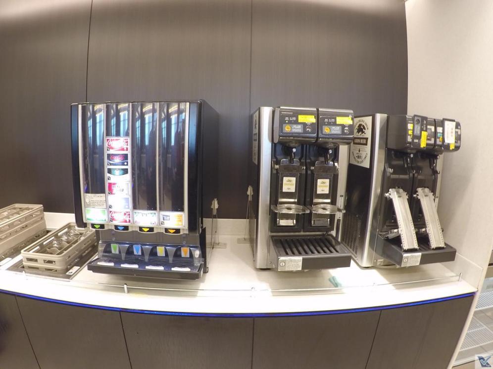 Sala-VIP-ANA-Haneda-Café-e-Refrigerantes