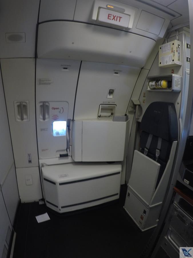 A330-Qantas-Portas-Traseiras-2