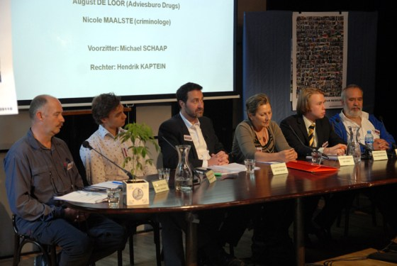 V.l.n.r.: Marc Josemans, Maarten van Ooijen, Michael Schaap, Lisa Lankes, Paul Schenderling en Wernard Bruining (© Gonzo media)